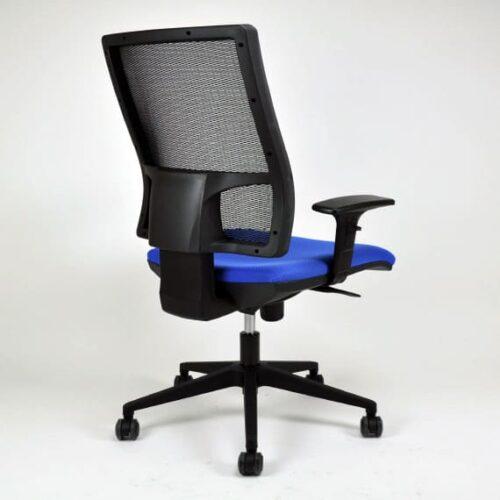 In&office, empresa mobiliario oficina Barcelona. Silla operativa 4M