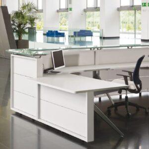 Muebles oficina Barcelona. Mostradores recepción