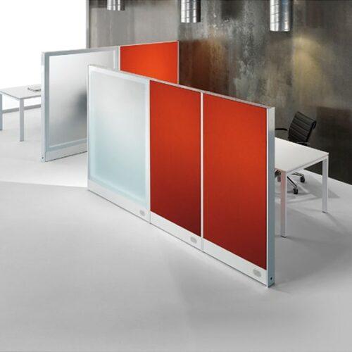 In&Office. Reforma de oficinas y tienda de muebles de oficina. Biombo de vidrio.