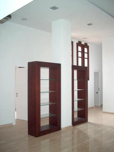 In&Office, empresa especialista en la reforma de espacios de trabajo en Barcelona: tiendas, oficinas, cafeterías, bares, etc.