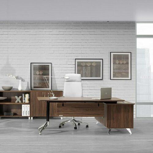 Muebles oficina Barcelona. Mesa dirección. In&Office