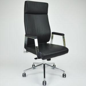 In&Office, muebles oficina Barcelona, reforma de oficinas Barcelona. Silla giratoria dirección color negro.