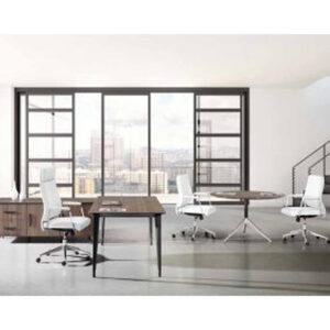 In%Office, mobiliario de oficina en Barcelona. Mesa de oficina de dirección. Modelo Beta