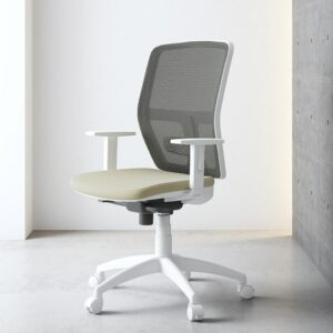In&Office, muebles y reforma de oficinas en Barcelona. Silla giratoria operativa de oficina. Silla Parma