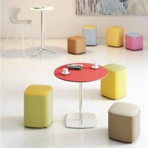 In&Office, reforma de oficinas en Barcelona y mobiliario. Mesas bajas, medias y altas. Serie Vancouver.